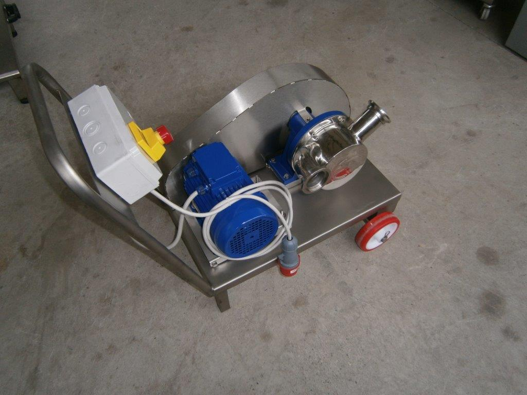 PUMP - ELECTRIC PUMP IN STAINLESS STEEL WITH FOOD NEOPRENE IMPELLER MOD. EURO 60 2 SPEED WITH RUBBER REDUCTION PULLEY THREE PHASE 380 VOLT  NEW MACHINE