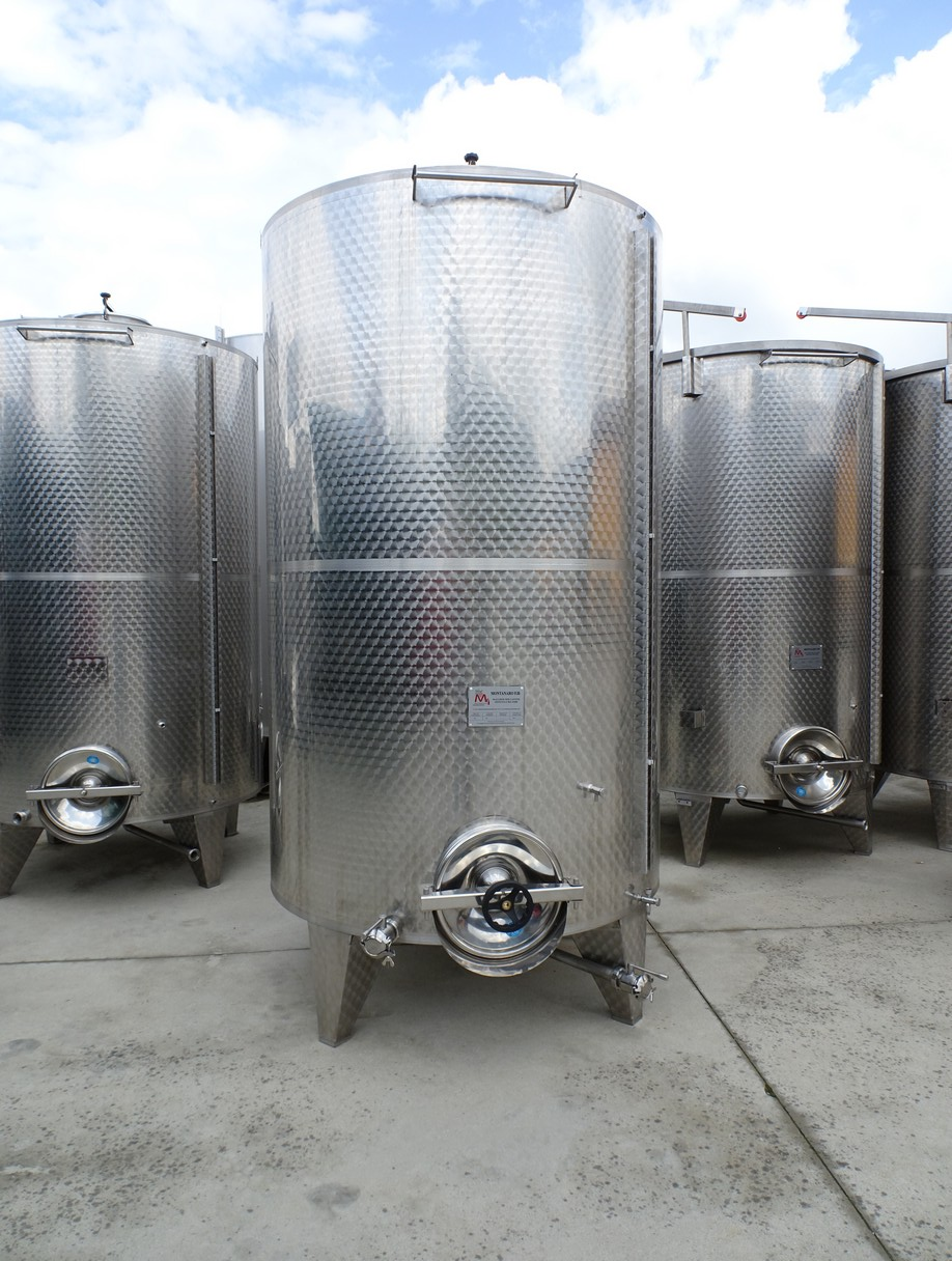 STAINLESS STEEL TANKS CAPACITY LITERS 5000 STORAGE MODEL CONICAL BOTTOM NEW EQUIPMENT