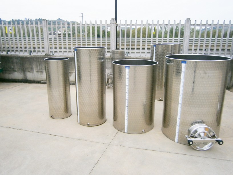 STAINLESS STEEL TANK CAPACITY LITERS 100-200-300 AND 500 WITH DOOR PNEUMATIC FLOATING LID  FLAT BOTTOM NEW EQUIPMENT
