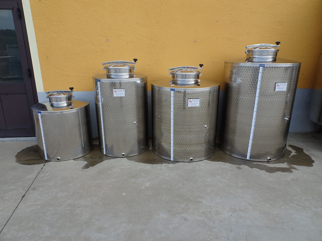 STAINLESS STEEL TANK CAPACITY 350-550-750-1000, STORAGE MODEL, FLAT BOTTOM WITHOUT LEGS NEW EQUIPMENT