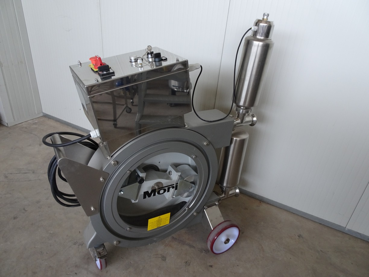 PERISTALTIC PUMPS FOR WINE