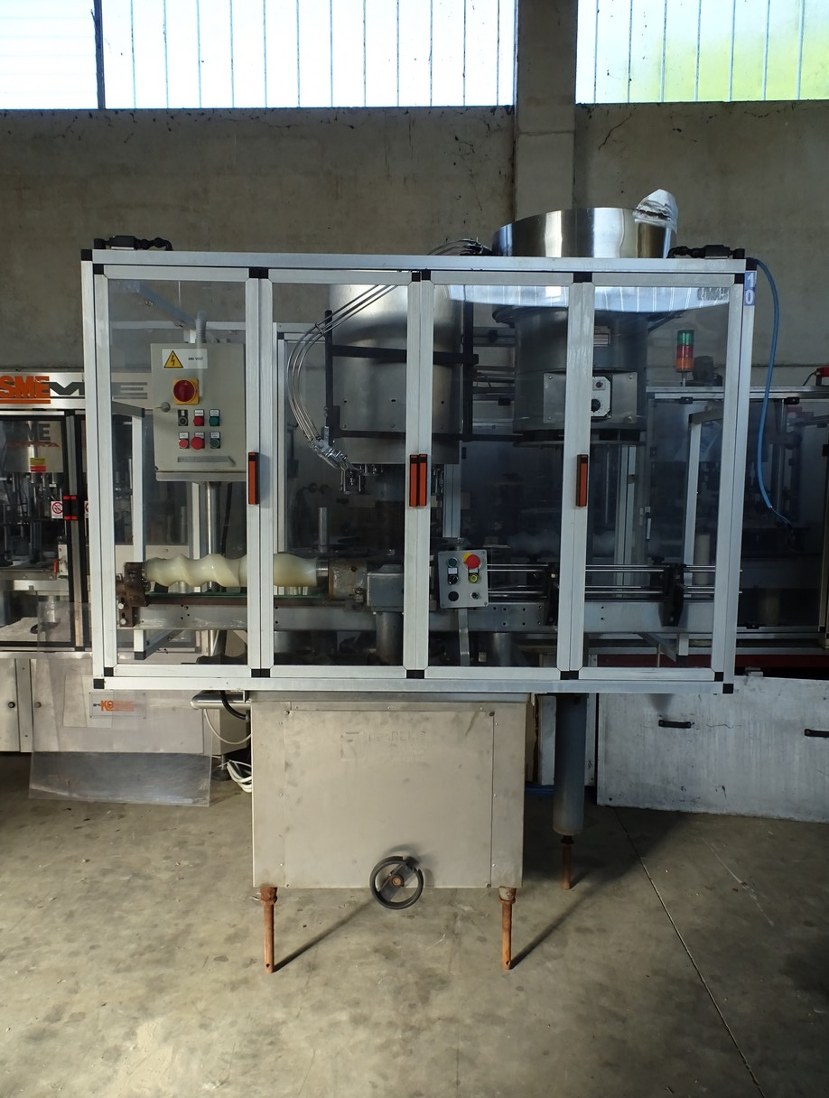 SCREW CAPPING MACHINE BERTOLASO 5 HEADS SECOND-HAND MACHINE