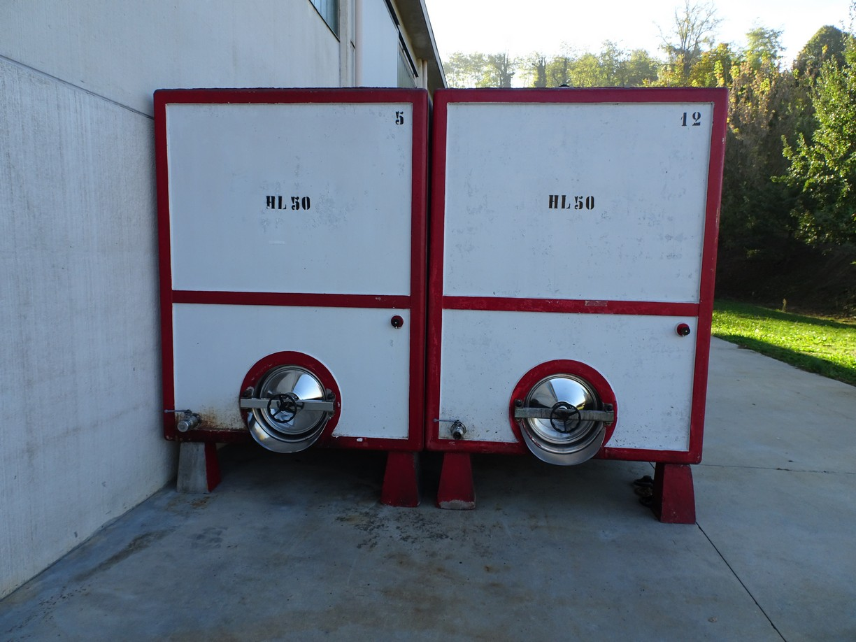 REINFORCED CONCRETA TANKS FOR WINE CAPACITY LITERS 5000 (HL 50) SECOND-HAND EQUIPMENT