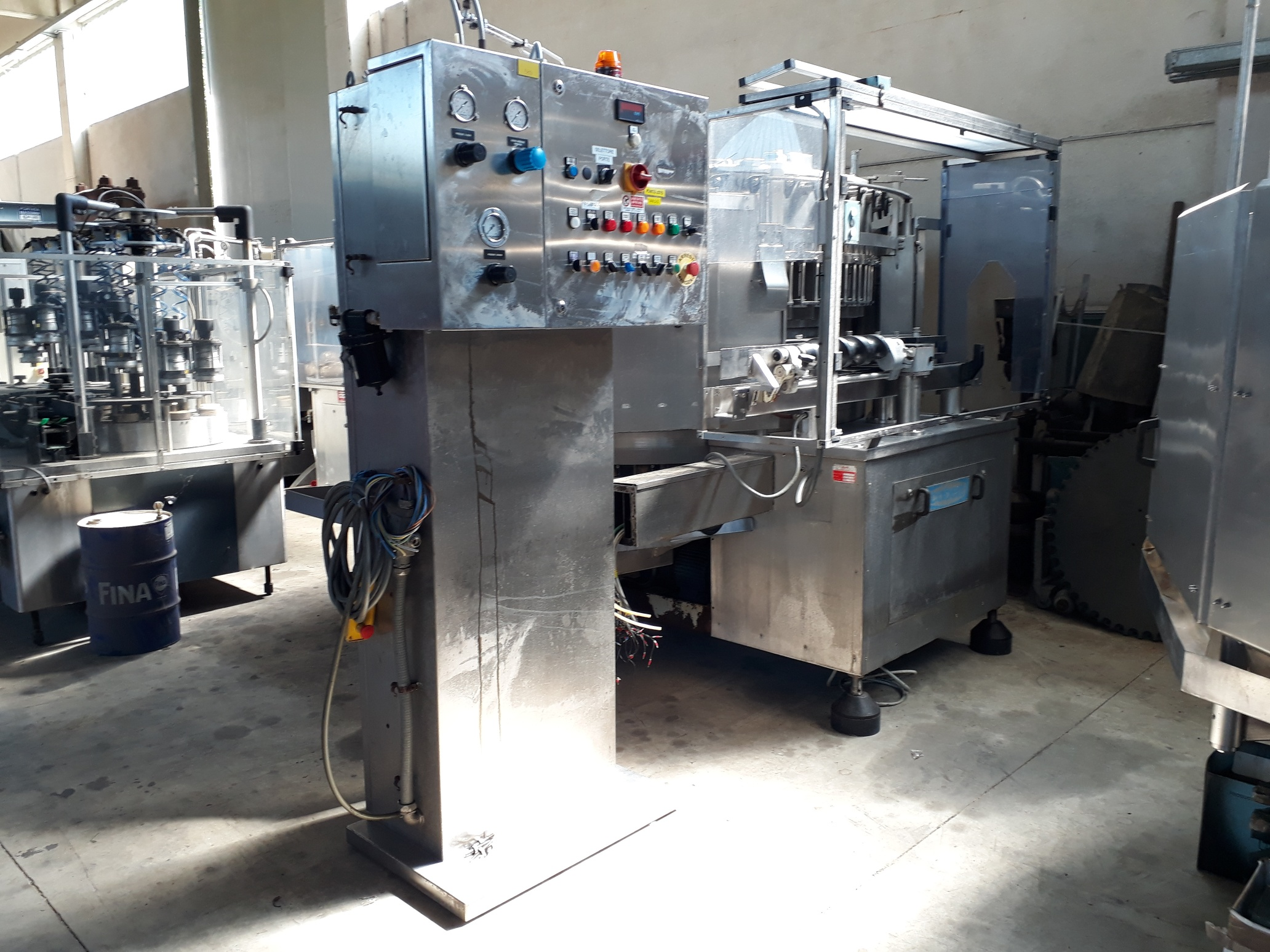 ISOBARIC FILLING MACHINE COBERT BERTOLASO WITH 48 VALVES, MODEL SUPREMA YEAR 1991, SECOND-HAND MACHINE.