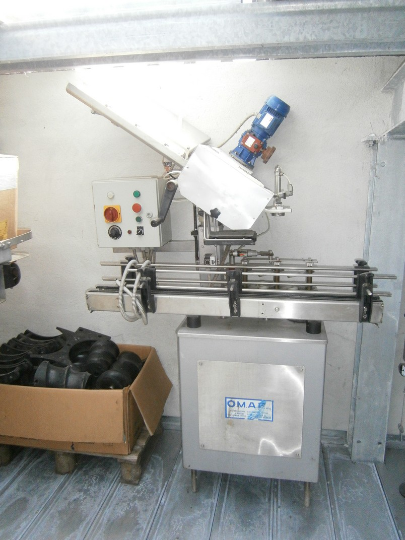 CAPSULES DISTRIBUTOR OMAR, WITH BASE AND CONVEYOR BELT IN STAINLESS STEEL, SECOND-HAND MACHINE.