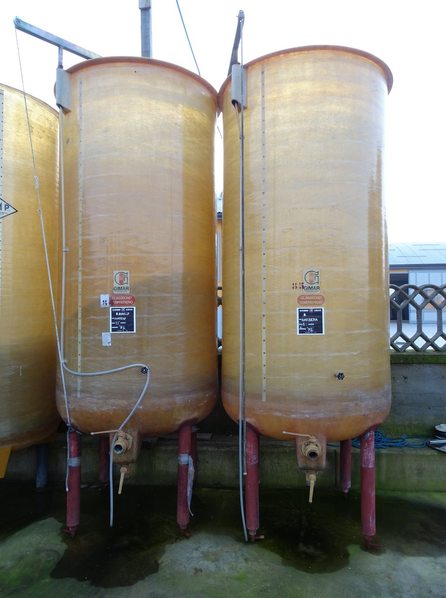 FIBERGLASS TANK , VARIABLE CAPACITY TANK GIMAR, CAPACITY HL 30, SECOND-HAND EQUIPMENT.