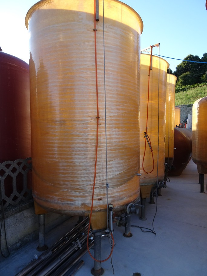 FIBERGLASS TANKS VARIABLE CAPACITY FIRM CMP, CAPACITY HL 50, SECOND-HAND EQUIPMENT.