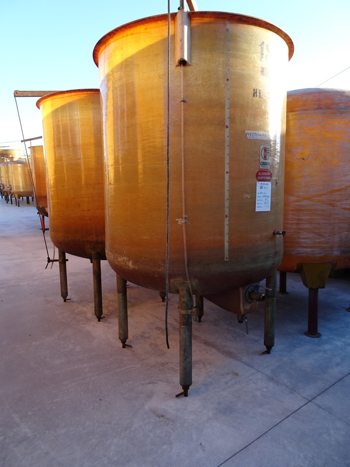 FIBERGLASS TANKS , VARIABLE CAPACITY TANK GIMAR, CAPACITY HL 30, SECOND-HAND EQUIPMENT.