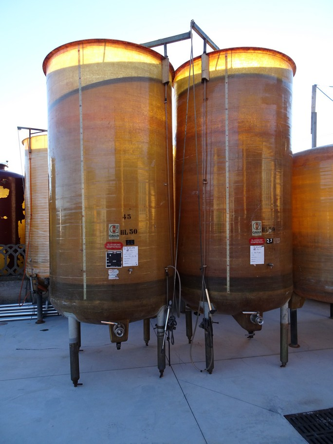 FIBERGLASS TANKS , VARIABLE CAPACITY TANK GIMAR, CAPACITY HL 50, SECOND-HAND EQUIPMENT.