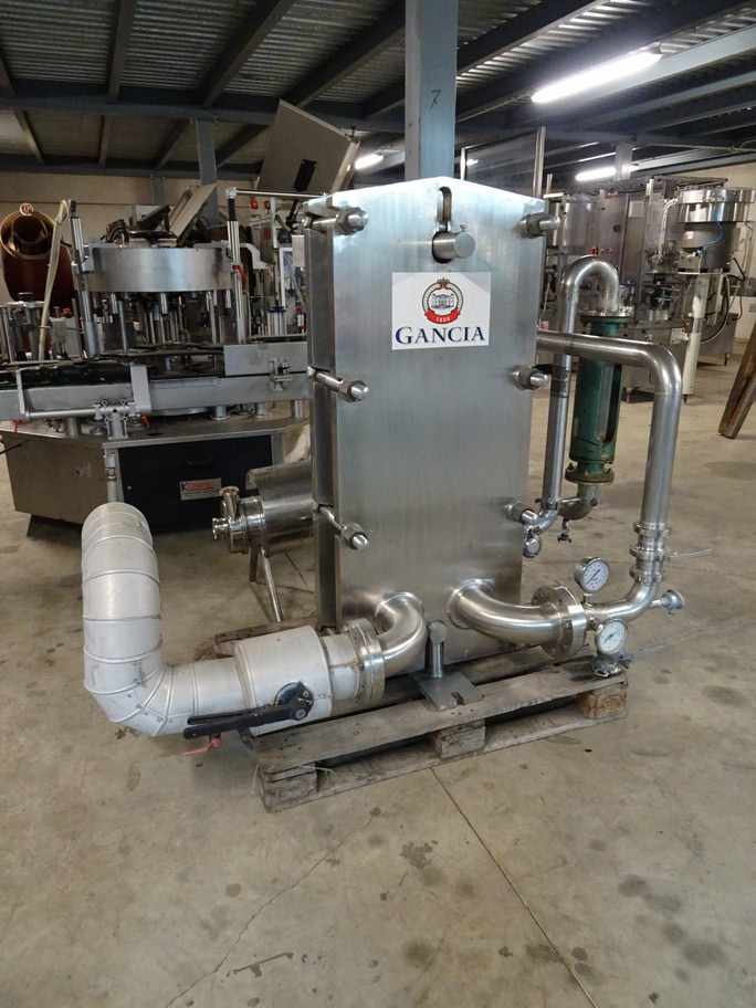 HISAKA STAINLESS STEEL PLATE HEAT EXCHANGER WITH N. 32 PLATES 1200X420, SECOND-HAND MACHINE.