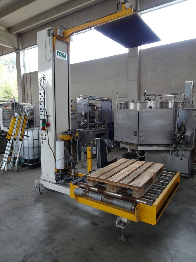 AUTOMATIC WRAPPING MACHINE TOSA WITH ROTATING ROLLER MOD. 095, SECOND-HAND MACHINE.