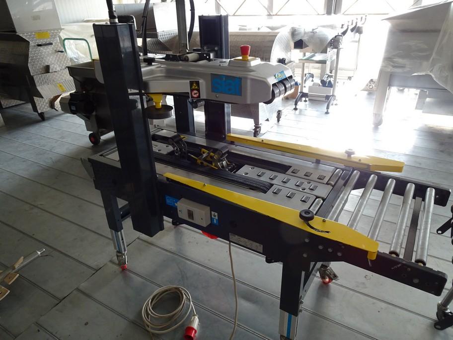 SIAT SEMI-AUTOMATIC CARTON SEALER  MODEL S2-S, SECOND-HAND MACHINE.