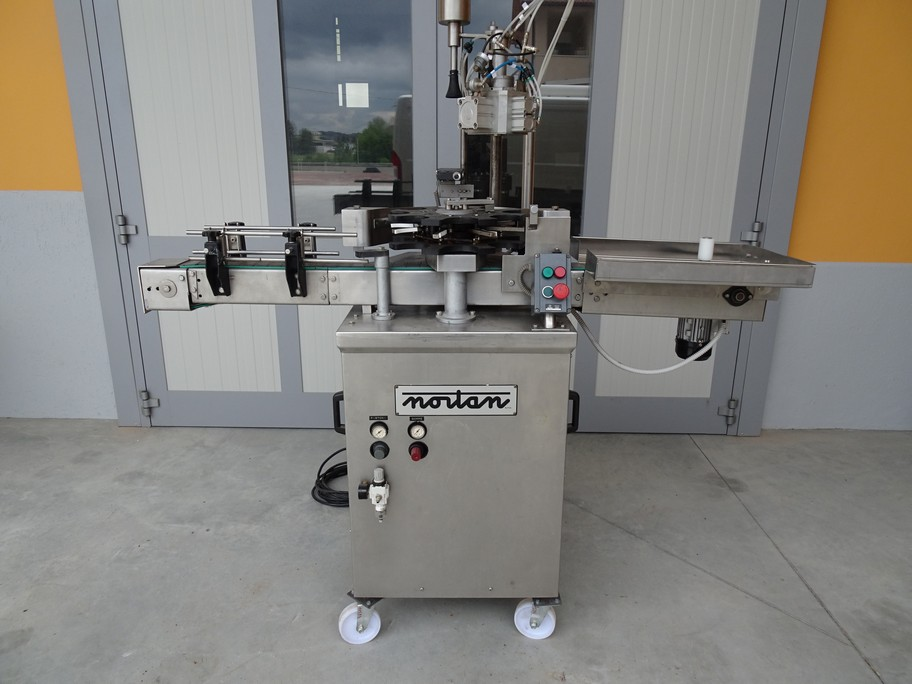 CLOSE LONG-TYPE CAPSULE NORTAN MODEL OMEGA 2 FOR SPARKLING WINE, SECOND-HAND MACHINE.
