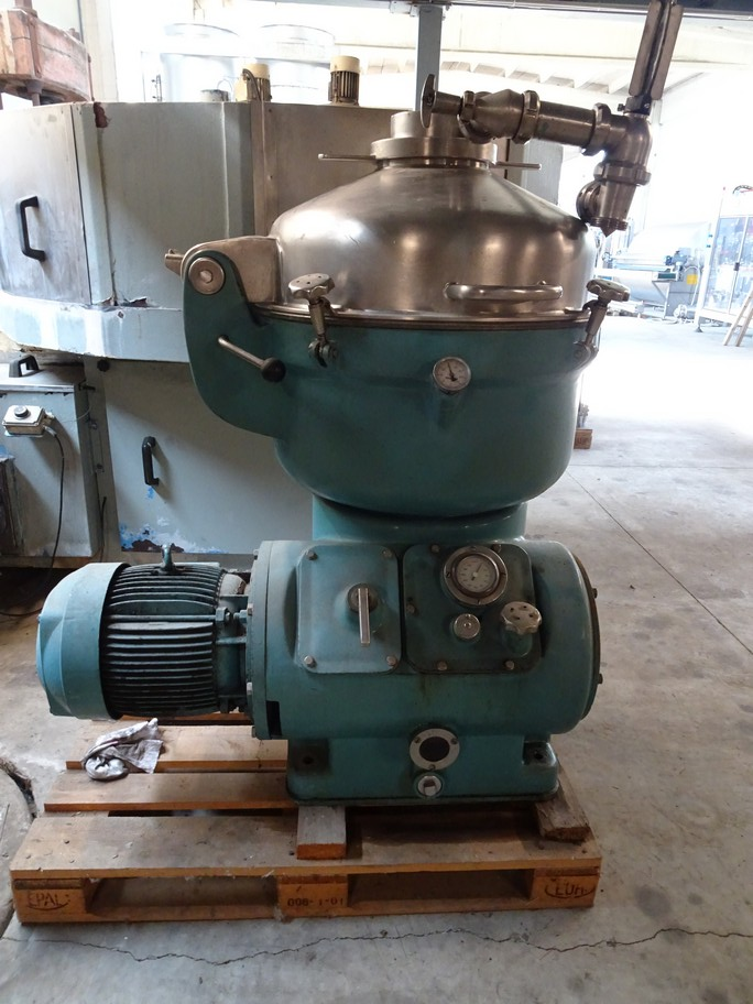 CENTRIFUGE ALFA LAVAL MODEL BRH 214H - 34 H - 22/3812 SEALED WITH MANUAL CLEANING, SECOND-HAND MACHINE.